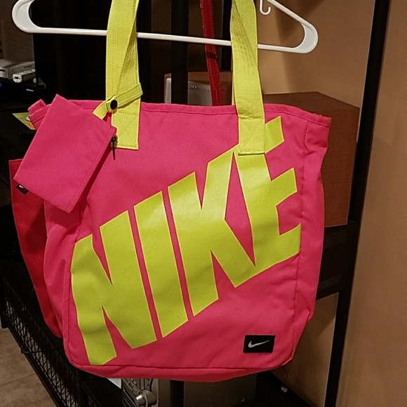 969a89784aa5 Ladies Gym bag. M 5a775b1aa825a65feb57339e